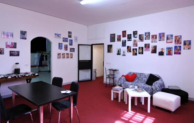 Spazio e costi studio fotografico a noleggio for Studio arredato